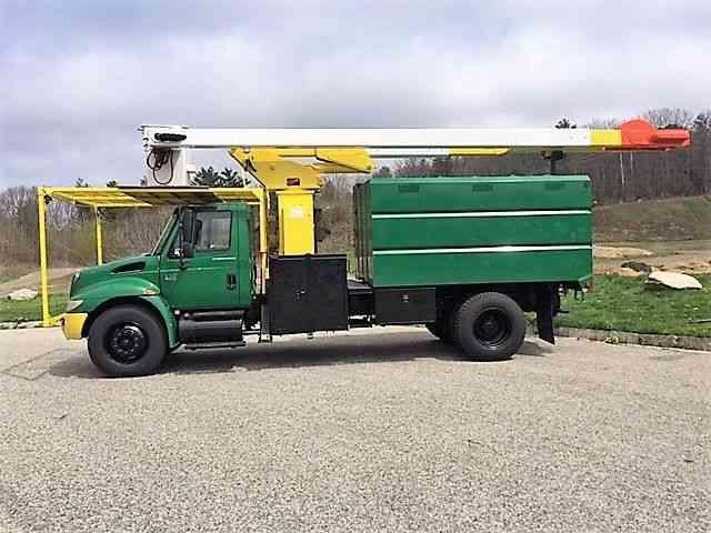 INTERNATIONAL 4300 (2006) : Bucket / Boom Trucks