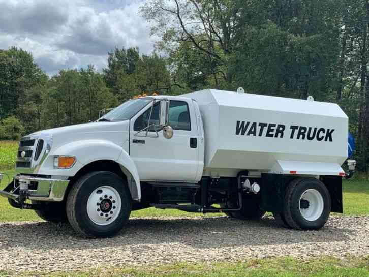 Ford F750 Water Truck (2007)