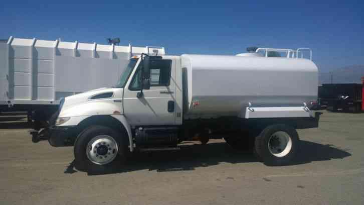 faae1224c4 INTERNATIONAL Water TRUCK 33