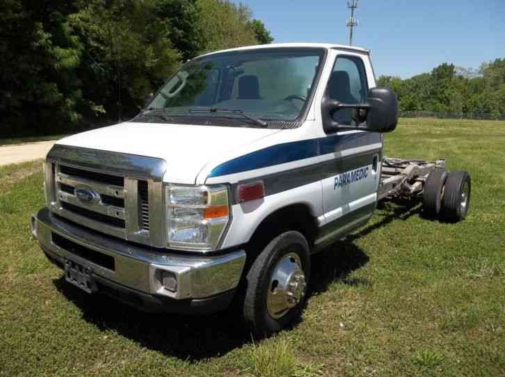 Ford E-450 Super Duty (2010)