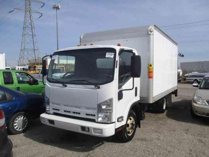 Isuzu Npr 2011 Van Box Trucks