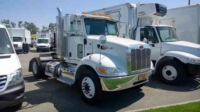 Peterbilt 337 Single Axle Tractor Semi Day Cab Truck 33. 000# GVWR Only 55k miles (2013)