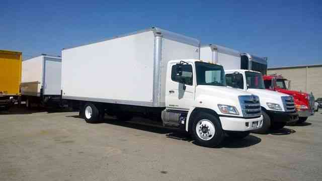Hino 268 24ft Box Truck with Liftgate Auto 25, 950# GVWR- Multiple units in stock (2014)