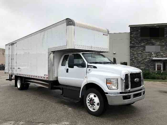 Freightliner Utilimaster 2000 Van Box Trucks