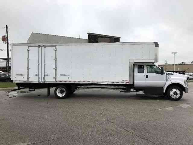 Ford F750 Box Truck 24ft Extra Super Crew Cab Moving Van ...