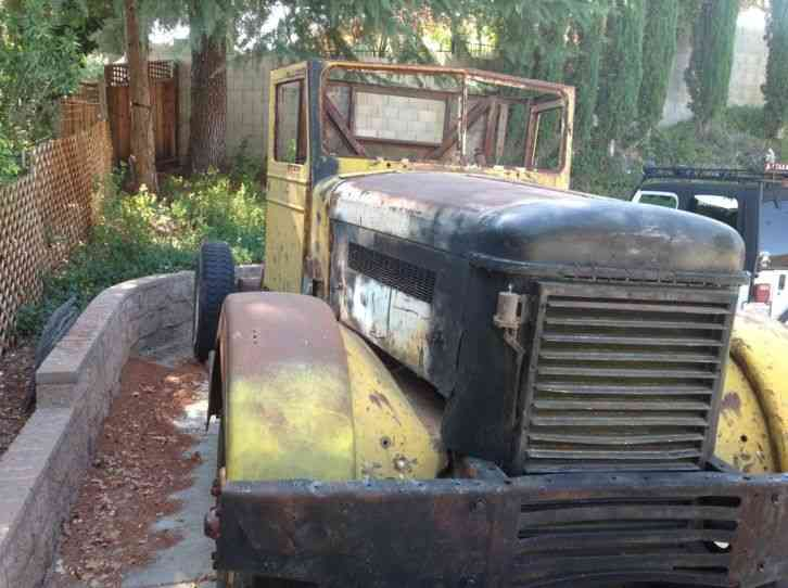 Peterbilt 345DT (1946) : Daycab Semi Trucks