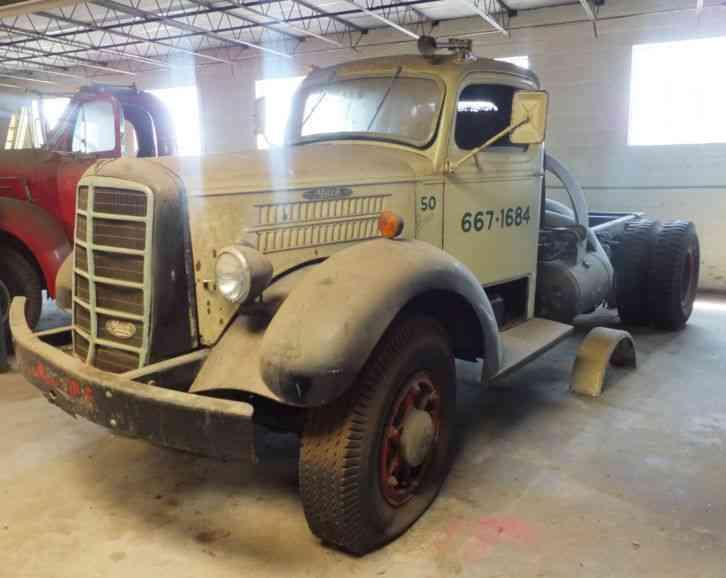 Mack Eq 1949 Daycab Semi Trucks