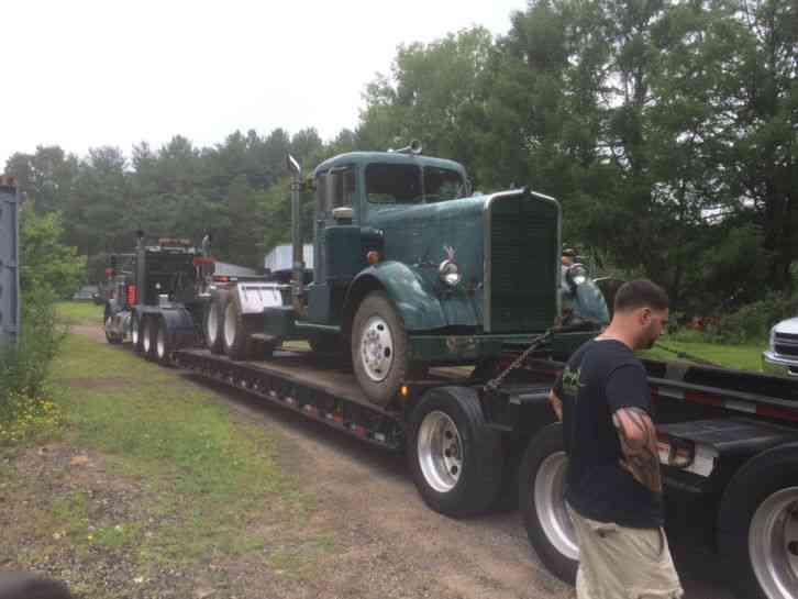 Kenworth 1950 Daycab Semi Trucks