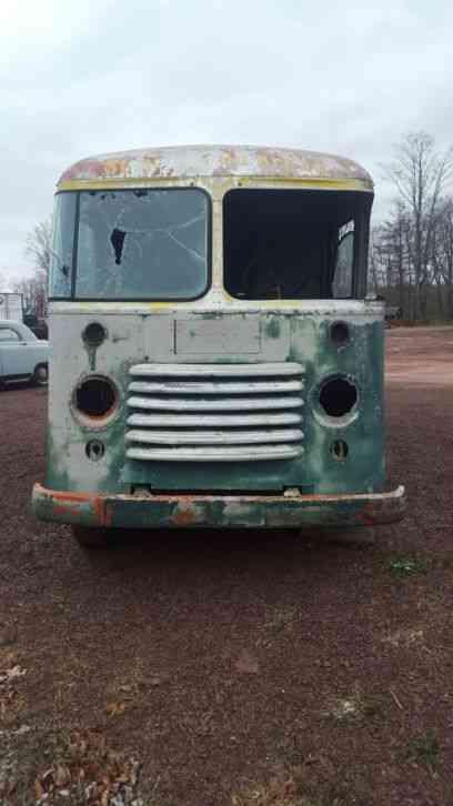 1950 Tow Truck >> Ford Erobilt Gruman (1956) : Van / Box Trucks