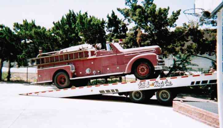SEAGRAVE FIRE ENGINE, FIRE TRUCK 600B (1952)