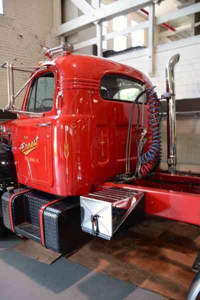 Mack B 61 1955 Daycab Semi Trucks