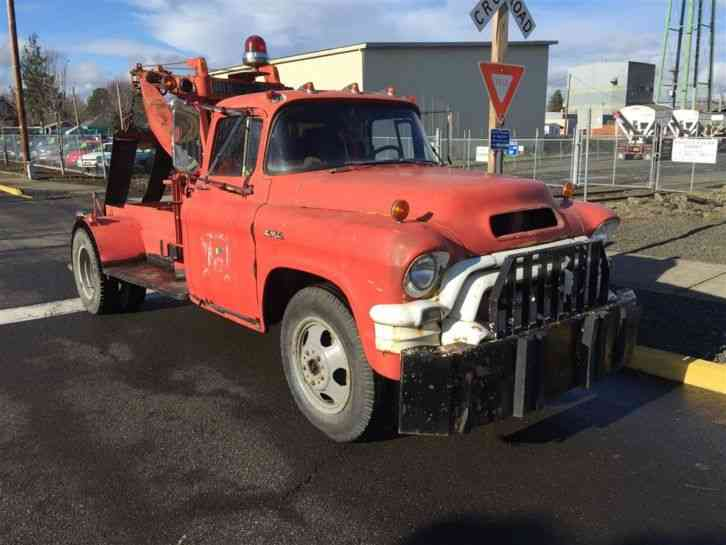 GMC 4500 TOW TRUCK (1956) : Wreckers