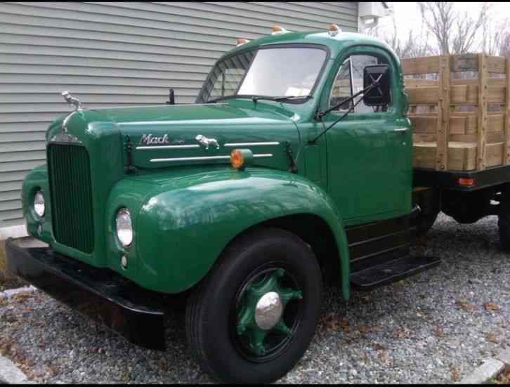Flatbed Tow Truck >> Mack B20 (1956) : Medium Trucks