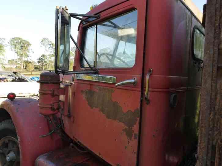 Flatbed Tow Truck >> Diamond T (1960) : Heavy Duty Trucks