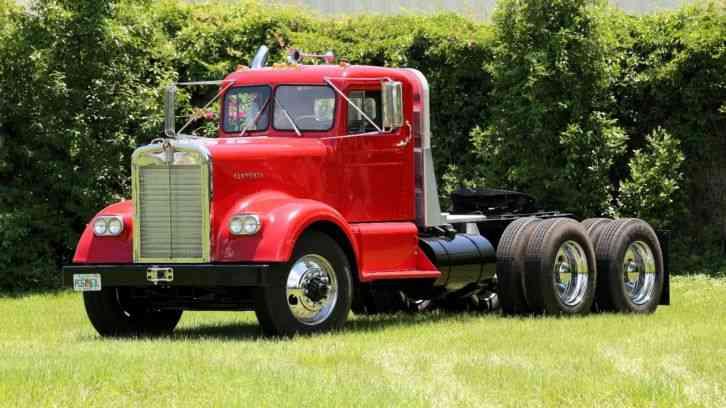 Kenworth W923 1962 Daycab Semi Trucks