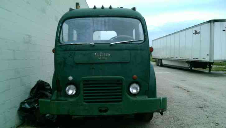 WHITE 3000 (1964) : Daycab Semi Trucks