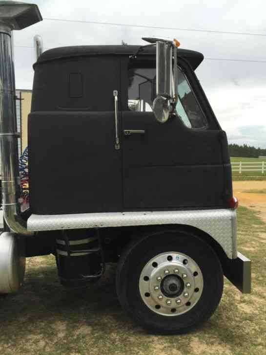 Diesel Truck For Sale >> International Emeryville (1965) : Sleeper Semi Trucks