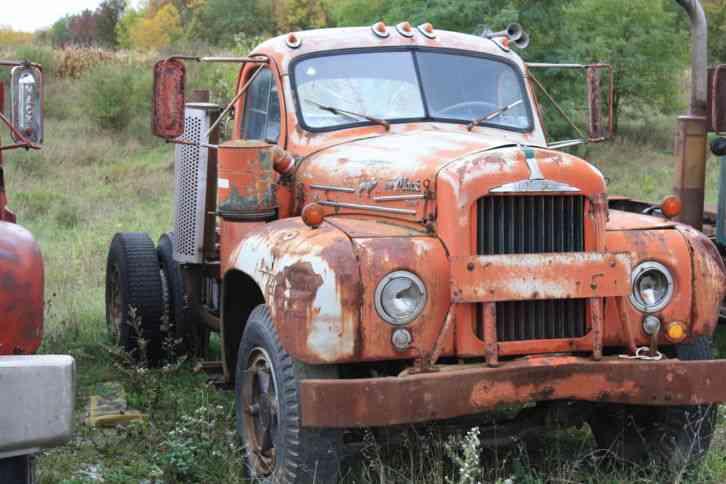 Mack B61T (1965) : Daycab Semi Trucks