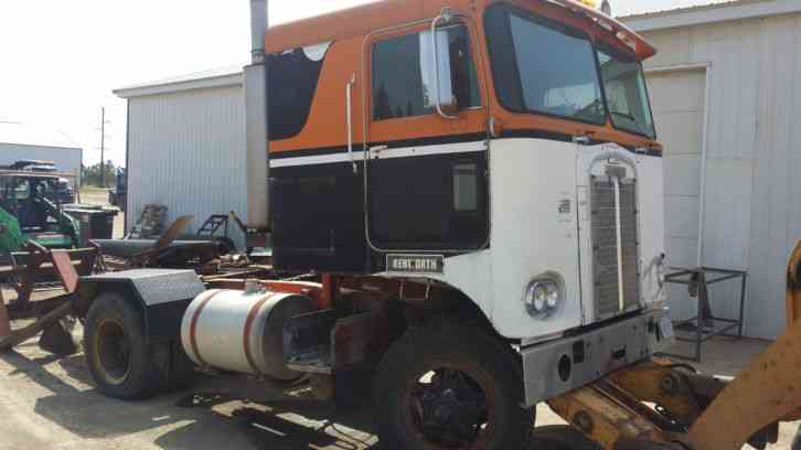 Kenworth 1967 Sleeper Semi Trucks