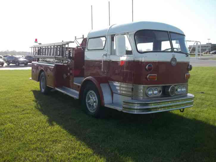 1967 Mack Truck : Mack emergency fire trucks