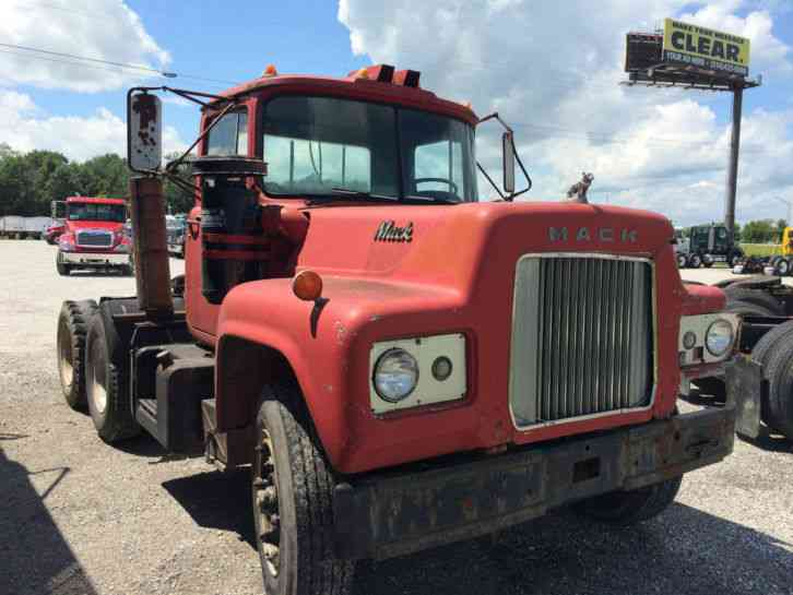 1967 Mack Truck : International prostar daycab semi trucks
