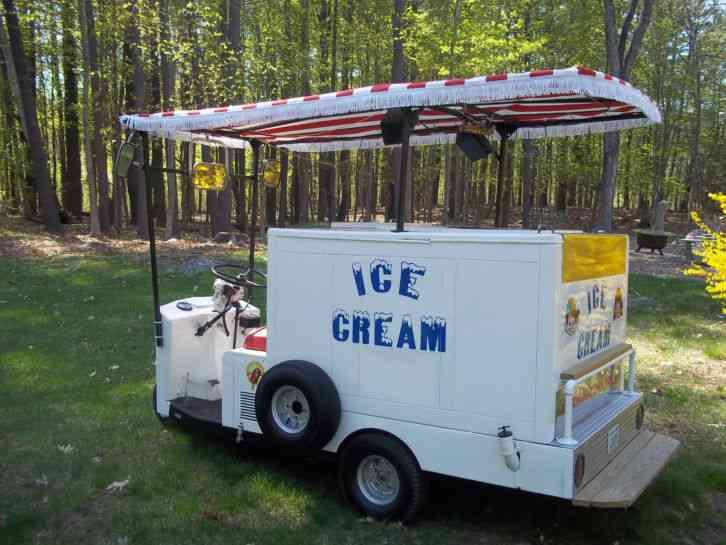 Classic Antique Cushman Ice Cream Truckster on Cushman Truckster Omc Engine