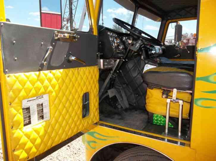 Used Diesel Trucks >> freightliner (1969) : Sleeper Semi Trucks