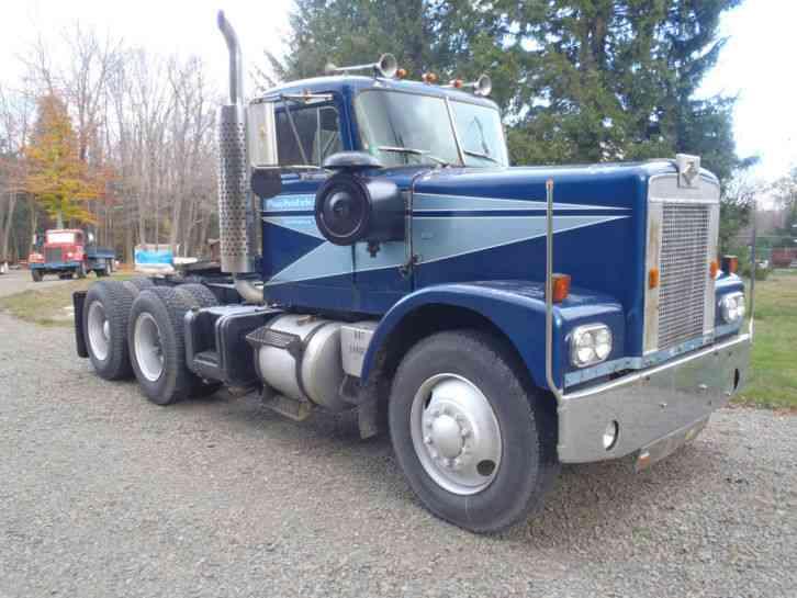 Diamond Reo Tractor (1970) : Daycab Semi Trucks
