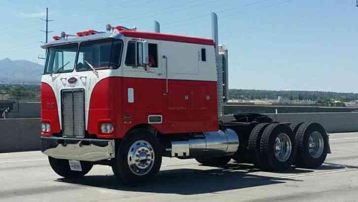 Peterbilt 352 1974 Sleeper Semi Trucks