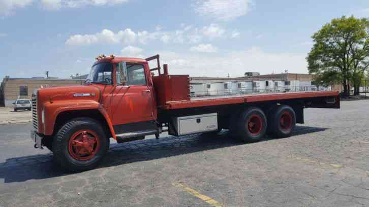 International Loadstar F-1800 21ft Hydraulic Bed 175k Miles Gas Engine Great Running Truck (1975)
