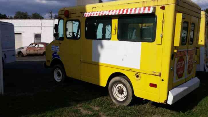 CHEVROLET P20 (1976) : Van / Box Trucks