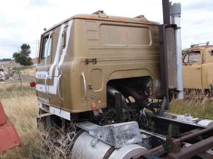 International 4070 Transtar Ii 1978 Sleeper Semi Trucks