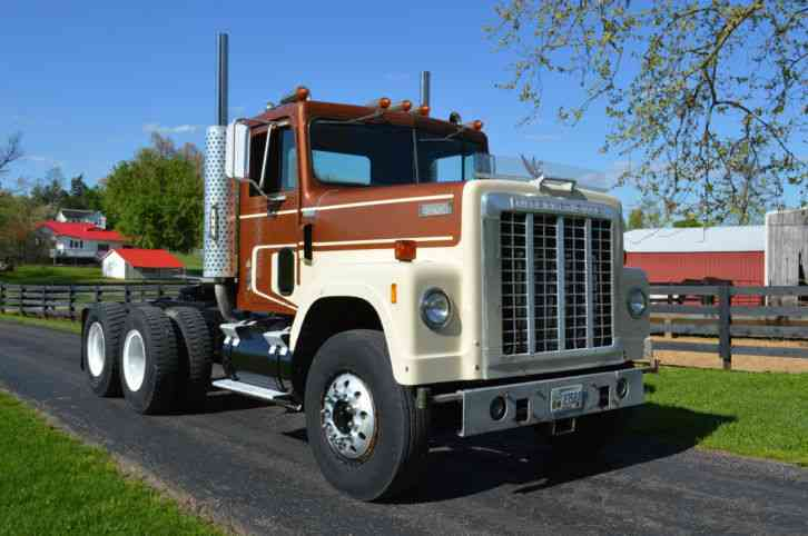 International 4200 (1978) : Daycab Semi Trucks