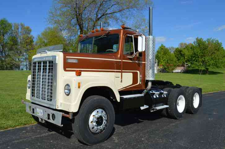 international 4200  1978    daycab semi trucks