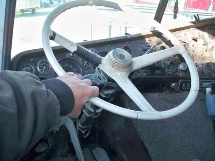 International 4070b Transtar 1979 Sleeper Semi Trucks