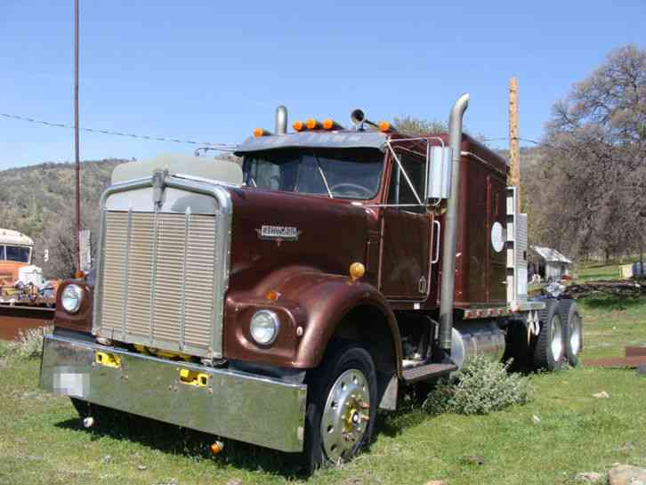 Kenworth W900  1979    Sleeper Semi Trucks