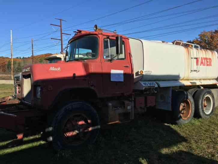 1979 Mack Tractor Truck : Mack dm s medium trucks