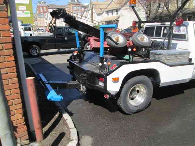Tow Hook Step besides Drawn Truck Drag Truck additionally Bb E F D F E E B F Toy Trucks Diecast further Ford Crew Cab Dually besides . on 1980 ford tow truck