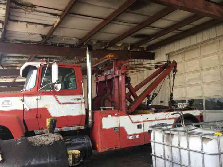 Ford 9000 1980 Wreckers