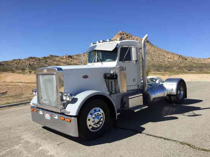 Peterbilt 359 1980 Daycab Semi Trucks