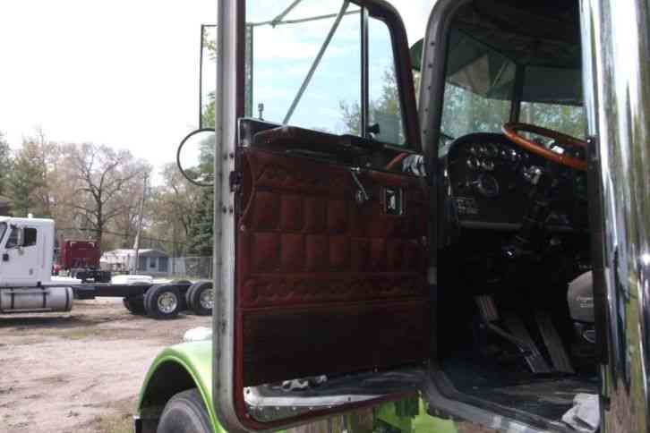 Used Bucket Trucks For Sale >> Peterbilt 359 (1981) : Daycab Semi Trucks