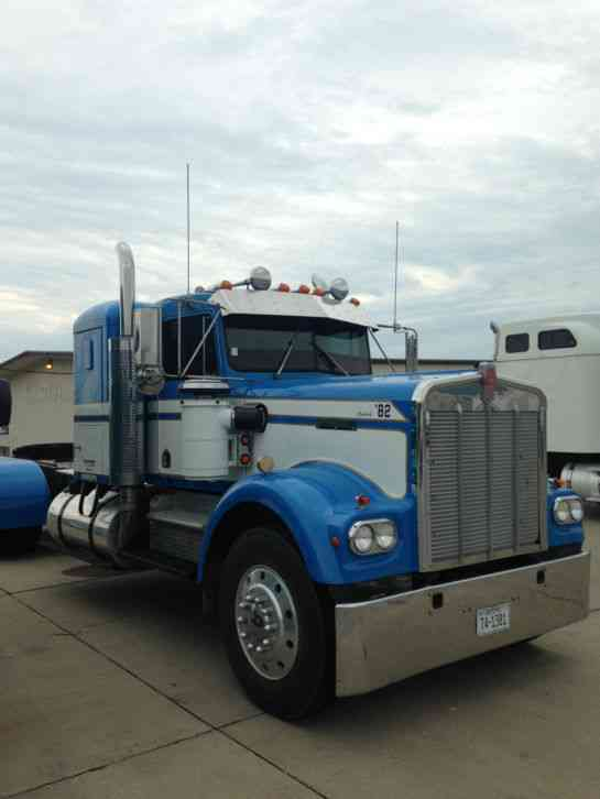 Kenworth w900A (1982) : Sleeper Semi Trucks