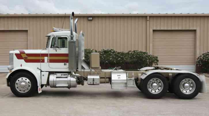 Peterbilt 359 (1982) : Daycab Semi Trucks
