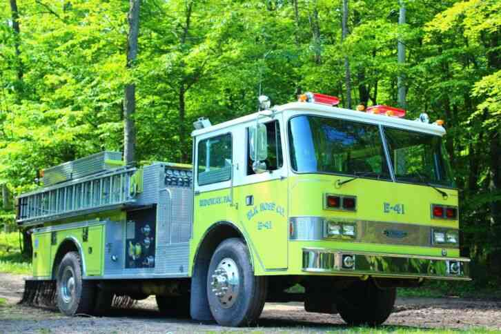PIERCE Fire Truck (1982)