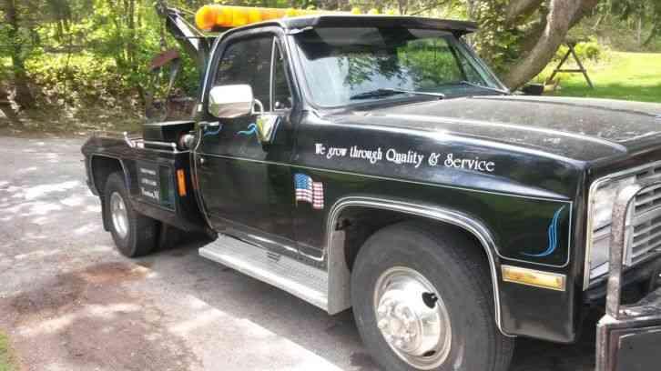 Chevrolet C30 Tow Truck (1983)