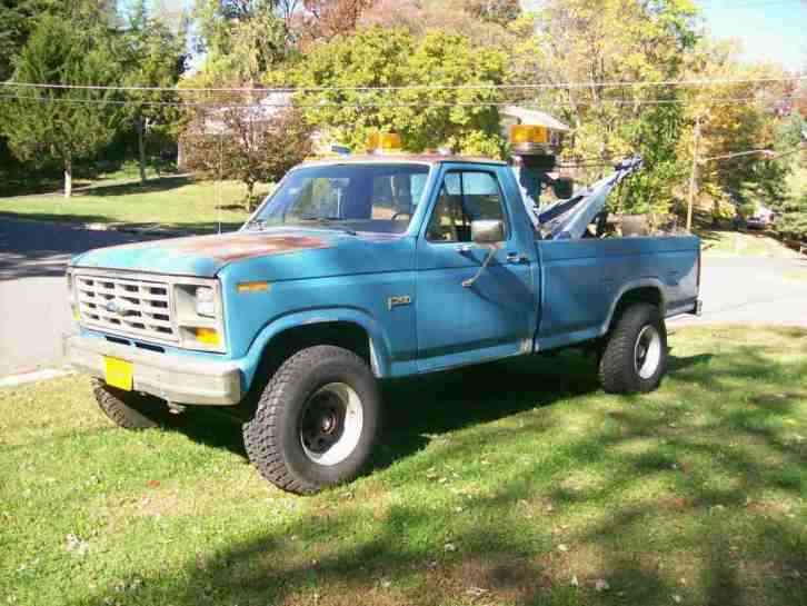 Ford F250 1983 Wreckers
