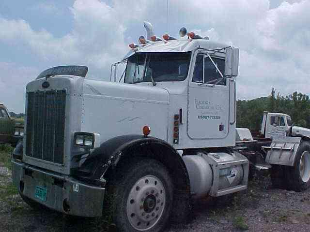 Peterbilt 359  1983    Sleeper Semi Trucks
