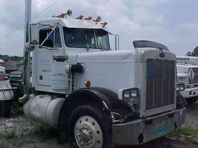2006 Freightliner Columbia >> Peterbilt 359 (1983) : Sleeper Semi Trucks
