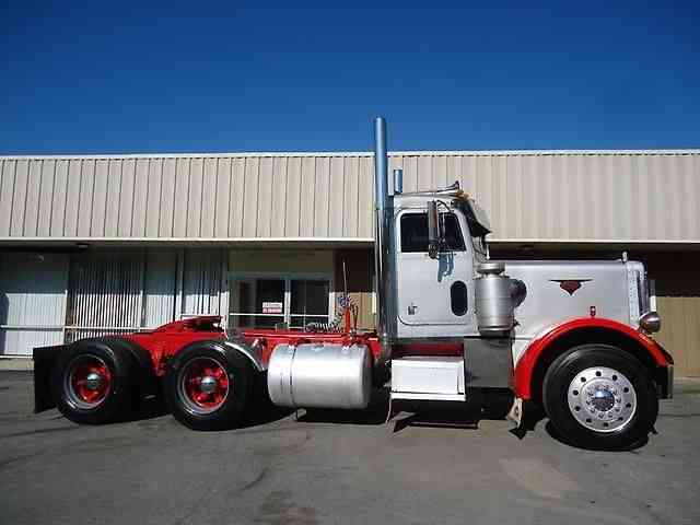 Peterbilt 359 1983 Daycab Semi Trucks