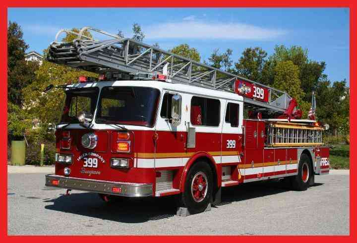 Seagrave Rear mount ladder truck (1983)
